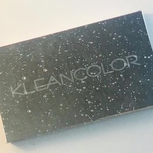Kleancolor  Raindrops Mist Eyeshadow Palette